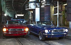 Rotisserie restaurierte Mustangs