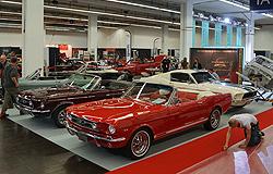 Techno Classica 2015 - Mustang und Restaurierungs Stand