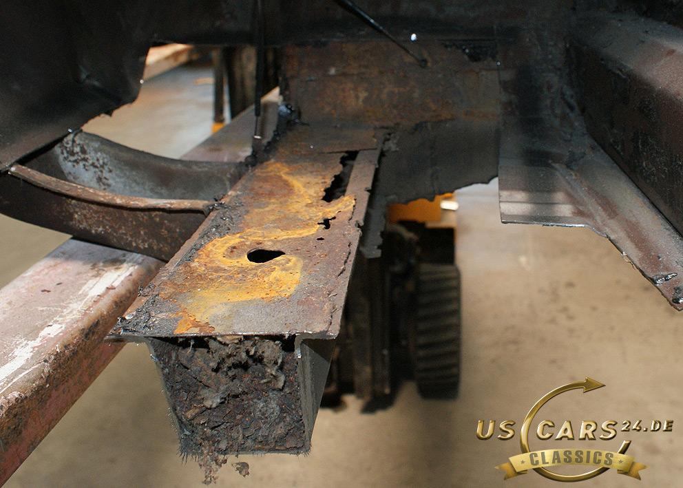 Restaurierung Oldtimer, Ford Mustang Schweller