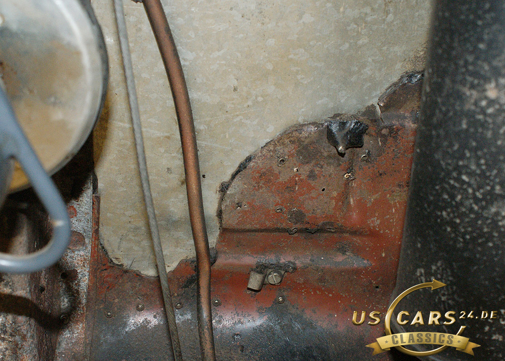 Restaurierung Oldtimer, Ford Mustang Unterbodenblech